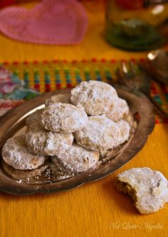 Mexican wedding cookies--so unbelievably delicious. Mexican Cookies, Mexican Wedding Cookies, Baking Recipes, Cookie Recipes, Dessert Recipes, Baking Tips, Yummy Recipes, Recipies, Healthy Fruit Snacks