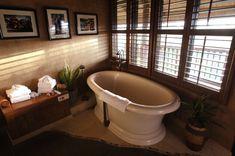 Merveilleux Guest Suite Inspiration | Animal Kingdom Lodge Presidential Suite Bathtub |  Photos Inside The Presidential Suite At Disneyu0027s Animal Kingdom Lodge  (article, ...