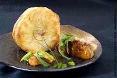 Recette de tourtiere de champignons de saison a l huile de truffe et foie gras poele