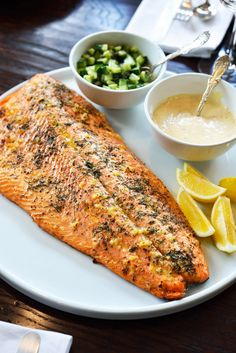 Not a salmon believer? This deliciously #smoky Roasted Salmon with Garlic Dill and Lemon seasoning will change your mind.