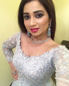 Beautiful Arab Women, Beautiful Indian Actress, Beauty Full Girl, Beauty Women, India Beauty, Asian Beauty, Shreya Ghoshal Hot, Frock Fashion, Indian Actress Photos