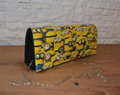 Custom Minions bag pochette EUR) by IdidntDothat Minion Bag, Minions, Handmade Envelopes, Handmade Bags, Valentine Day Gifts, Valentines, Minion Theme, Special Occasion Shoes, Envelope Clutch