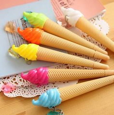 ✤ Size : 13cm approx ✤ Writing Point : 0.38mm  ✤ Black Ink  ✤ Due to the risk of chocking, this item isnt for children under 3 yo. ✤ As colors display is different on every screen, colors might be a little different in real life.  ✤ Smoke free home.  ✤ READY FOR SHIPPING with care  Once your payment is confirmed, I send your parcel within 2 working days. If you have any questions, please convo me or email me at lapinchicfr [at] gmail.com. :)…