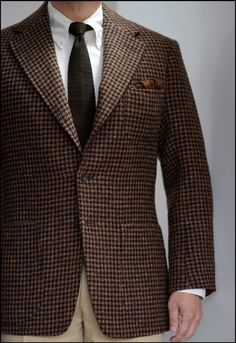 T.G.I.F.The waning weeks of tweed, featuring shape without front darts from a thick, spongey Shetland.