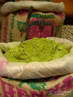 Henna powder green