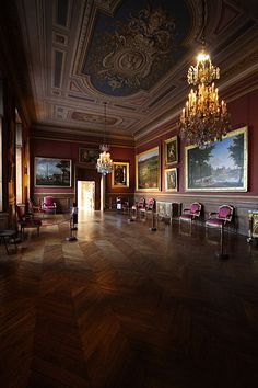 The gallery splendor at Fontainebleau