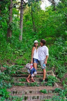 Тематика лав стори: пара в парке