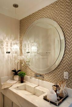 Navegue por fotos de Banheiros modernos: Casa Parque. Veja fotos com as melhores ideias e inspirações para criar uma casa perfeita.