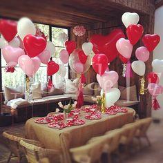 Heart balloons / Globos de corazón rojos y blancos / Ideas originales para bodas y fiestas / Detalles para bodas / Globos de Luz / www.globosdeluz.com
