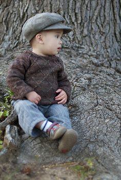 Knitting Patterns Boy Ravelry: Lancelot pattern by Solenn Couix-Loarer Knitting Patterns Boys, Knitted Doll Patterns, Baby Boy Knitting, Christmas Knitting Patterns, Knitting For Kids, Knitted Dolls, Knitted Bags, Crochet For Kids, Crochet Baby