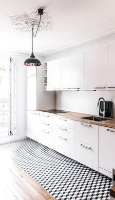 Amazing White Kitchen Decor and Design Ideas - Page 27 of 110 Farmhouse Style Kitchen, Rustic Kitchen, Diy Kitchen, Kitchen Decor, Kitchen Design, Kitchen Ideas, Classic White Kitchen, Shaker Kitchen Cabinets, White Countertops