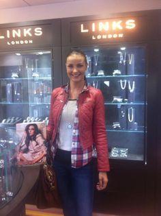 Luara Scanlon enjoying her new Mi Moneda pendant from Rocks jewellers. Celebrity Engagement Rings, Rock Jewelry, Love Rocks, Jewelry Branding, Wedding Bands, Leather Jacket, Pendant, Celebrities, Style