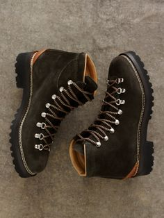 Boots – Enjoy the Great Outdoors! Me Too Shoes, Men's Shoes, Dress Shoes, Hiking Shoes, Hiking Gear, Caterpillar Boots, Mountaineering Boots, Fashion Boots, Mens Fashion