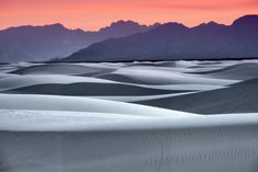 12.+Take+a+sunset+stroll+across+the+largest+gypsum+dunefield+on+the+planet.+(White+Sands)
