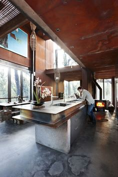 Love the kitchen bench.  Eli would have a field day driving his cars around and around the steel 'ledge'