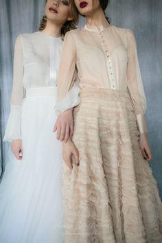 Luxurious vintage powder Wedding set in 2020 Simple Dresses, Elegant Dresses, Formal Dresses, Dresses Dresses, Kebaya Dress, Victoria Secret, Vetement Fashion, Culottes, Agent Provocateur