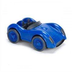Blauwe raceauto van Green Toys. Stoer, vrolijk en super duurzaam. Gemaakt van gerecyclede melkflessen, zonder nare stofjes. €9,95