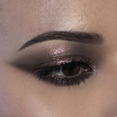 Dark Makeup Looks, Dark Eye Makeup, Eye Makeup Art, Pretty Makeup, Metallic Eye Makeup, Black Makeup, Natural Makeup, Grunge Eye Makeup, Edgy Makeup