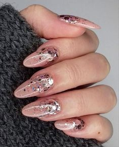 Do You Have One Pick Of These Nice Gel-Type Almond Nails? - Latest Fashion Trends for Girls Almond Nails French, Classy Almond Nails, Short Almond Nails, Nails Short, Almond Shape Nails, Rounded Acrylic Nails, Classy Acrylic Nails, French Acrylic Nails, Fall Acrylic Nails