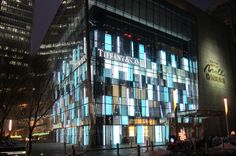 The Maosuit has created a list of the top luxury store facades in Beijing. Facade Design Pattern, Tiffany Store, Digital Retail, Retail Facade, Facade Lighting, Billboard Design, Luxury Store, High Street Shops, Facade Architecture