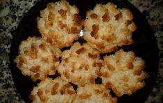 Biscotti al cocco - Ecco per voi la ricetta per preparare i Biscotti al cocco morbidissimi e deliziosi, la ricetta è molto semplice e veloce, da realizzare per uno snack veloce e goloso.