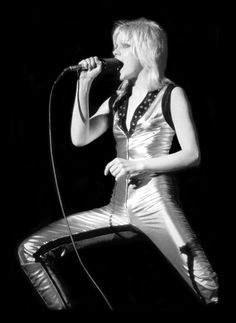 Cherie Currie    http://www.brixpicks.com/cherie-currie-a-3369.html    image: kenphillipsgroup.com