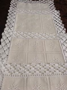 Diy Crafts - DIY & crafts projects, contents and more - Diy Crafts Resultado De Imagem Para Croche Em Linho 144185625555667929 P Crochet Fabric, Crochet Quilt, Crochet Motif, Diy Crochet, Crochet Designs, Crochet Doilies, Crochet Stitches, Crochet Patterns, Filet Crochet
