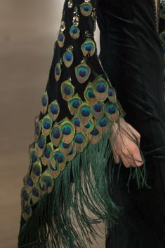 Yanina Couture Fall 2018 Couture Fashion Show Details. All the Fall 2018 Couture fashion shows from Paris Couture Fashion Week in one place. Sleeves Designs For Dresses, Sleeve Designs, Blouse Designs, Stylish Dress Designs, Stylish Dresses, Fashion Dresses, Peacock Costume, Peacock Dress, Designer Wear