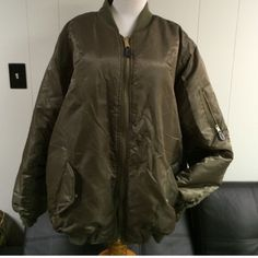 Reversible pilot jacket. Unisex BUT runs very big No flaws just needs a steaming for wrinkles Jackets & Coats Puffers