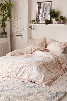 Shop Celestial Foiled Duvet Cover at Urban Outfitters today. We carry all the latest styles, colors and brands for you to choose from right here.