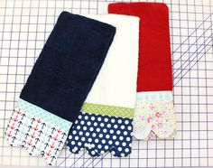 Scalloped Hand Towel - Free Pattern and Tutorial - Fat Quarter Shop's Jolly Jabber