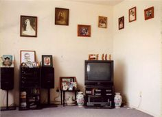 Edith Amituanai, Fipe's Lounge, 2002, C-type photograph, 420 x 450mm (framed dimensions)