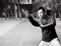 Donnie yen inSongshan Shaolin Temple!! Cool...   ICNbuys.com, the best Kung Fu online Shop