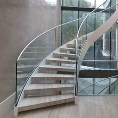 Glass railing with solid aluminum base – Yurihomes Wood Railing, Steel Railing, Glass Railing, Wood Stairs, Winding Staircase, Curved Staircase, Types Of Stairs, Stairs Stringer, Independent House