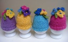 I devised these flowery egg cosies to use up oddments of yarn that I had dyed. After all the effort involved with such pretty results, I didn't want to waste any of the left overs from my crochet . Knitting Patterns Uk, Free Knitting, Free Crochet, Knit Crochet, Crochet Patterns, Knitting Projects, Crochet Projects, Big Knits, Knitted Flowers