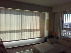 #cortinasvertical o #cortinasdelamas de 127mm con tejido screen, máxima protección solar. www.navarfrovalera.com