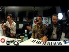 ▶ Arctic Monkeys - I Wanna Be Yours - Session Acoustique OÜI FM - YouTube  Alex Turner manages to make fancying somebody beyond intense
