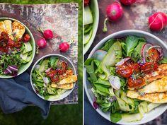 Salát s halloumi a pečenými rajčátky