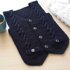 Diy Crafts - MenClothinghipster,MenClothinginternet-my knits (elaydi_knitting) Crochet Baby Sweaters, Sweater Knitting Patterns, Baby Pullover, Baby Cardigan, Baby Vest, Baby Pants, Crochet Carpet, Denim Tote Bags, Old Shirts
