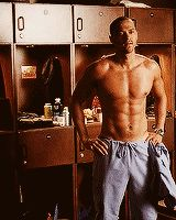 Pin for Later: 16 Times Jackson Avery Is Hands Down the Hottest Part of Grey's Anatomy Gegvsdhlhgdvsv. Jackson Avery, Jesse Williams Shirtless, Detroit Become Human Actors, Meredith Grey, Jessie Williams, Wattpad, Beautiful Men, Sexy Men, How To Look Better