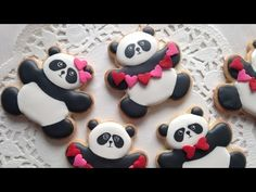 How to decorate panda cookies for Valentine's Day. These are so adorable!