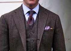 Great three piece suit, with nice tie and pocket square.