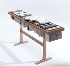 本棚としても、テーブルとしても使える家具。 イタリアの家具デザイン会社である「Lama」が考案したもので、棚に眠っている何冊もの本たちを使って何か出来ないかと考えたそうです。 使われなくなったものに新たな機能を見出したステキなエコアイデアですね。