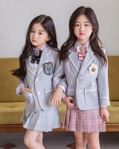 Cute Baby Twins, Cute Asian Babies, Korean Babies, Asian Kids, Little Girl Models, Little Kid Fashion, Cute Kids Fashion, Preteen Girls Fashion, Girl Fashion