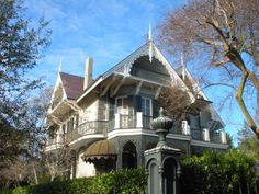 House in New Orleans...love N.O. architecture!!