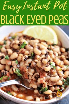 This Indian style Vegan Instant Pot Black Eyed Peas Curry Recipe, is an easy and delicious preparation with readily available ingredients. Pea Recipes, Curry Recipes, Veggie Recipes, Indian Food Recipes, Crockpot Recipes, Vegetarian Recipes, Healthy Recipes, Instant Pot Pressure Cooker, Pressure Cooker Recipes