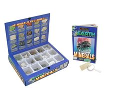 Earth Science Kit Minerals: The Earth Science Kits have been updated and improved! Kids can explore the wonders of our geological world. Each kit contains 15 mineral specimens, magnifier, streak plate, and instructional guide. Cool Science Experiments, Science Lessons, Different Types Of Rocks, Science Kits For Kids, Subscriptions For Kids, Little Passports, Stem Skills, Wings Design, Kids Corner