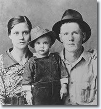 Gladys, Elvis & Vernon http://www.elvis.com.au/presley/biography/elvis_presley_family_history.shtml#sthash.m1UYPT6D.dpbs