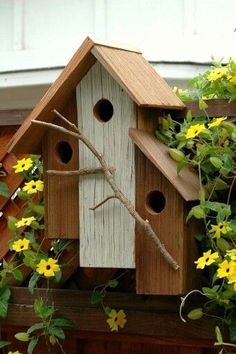DIY bird house inspiration. I like the natural branch perch. Need to make sure latch the roof for cleaning.