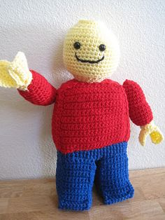 Free crochet Lego Minifigure pattern. It wouldn't let me pin it from ravelry so this is straight to the pattern site. I'm in love :D